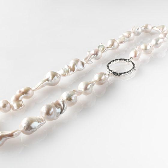 Collana di perle barocche e argento 925