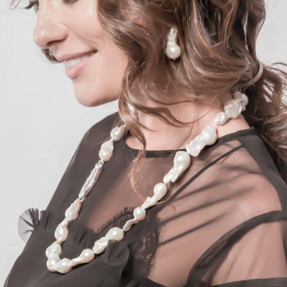 Collana di perle barocche e argento 925: Clash