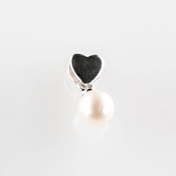 Pendente con cuore in argento e perla
