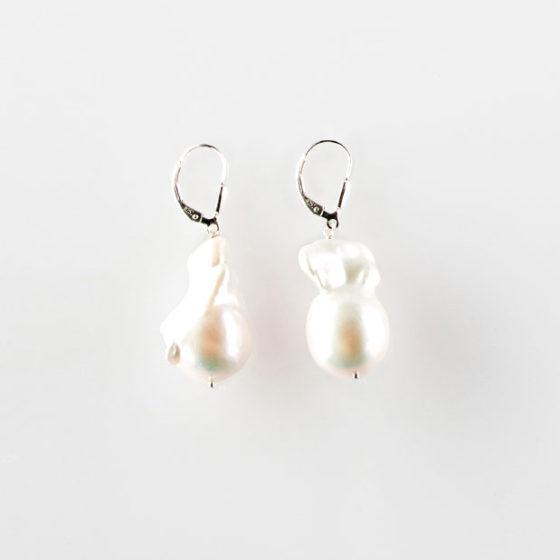 Orecchini a monachella perle barocche