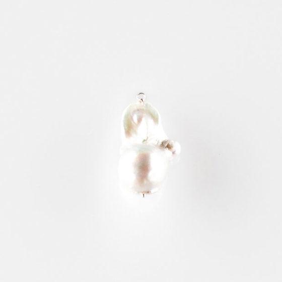 Pendente in argento con perla barocca
